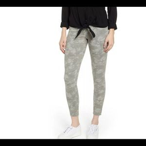 Spanx Jean-ish Leggings Stone Wash Camo NWT Med